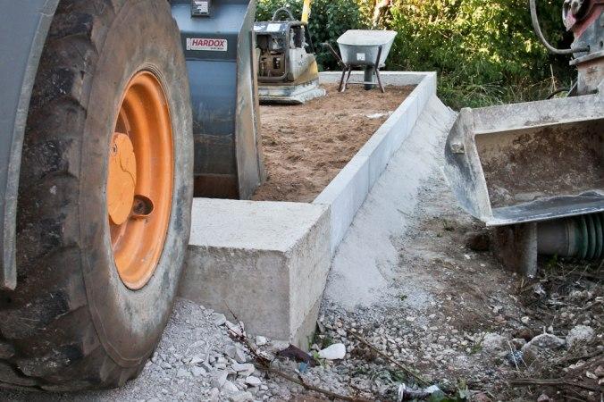 garage-fundament-bagger-2