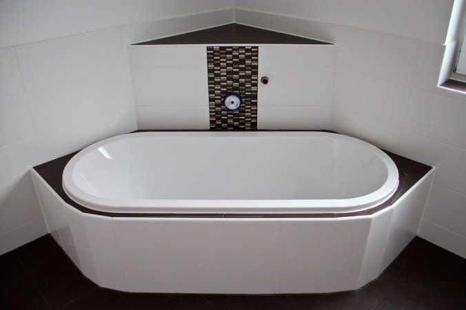 badewanne-fertig-vorne