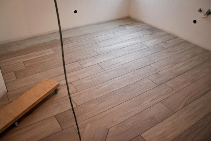 impressionen vom bau 26 fliesen mosaik und badewanne. Black Bedroom Furniture Sets. Home Design Ideas