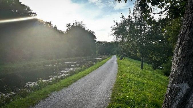 Run, Fatboy, Run (458): Am Alten Kanal