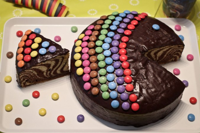 Ein leckerer Regenbogenfisch-Kuchen