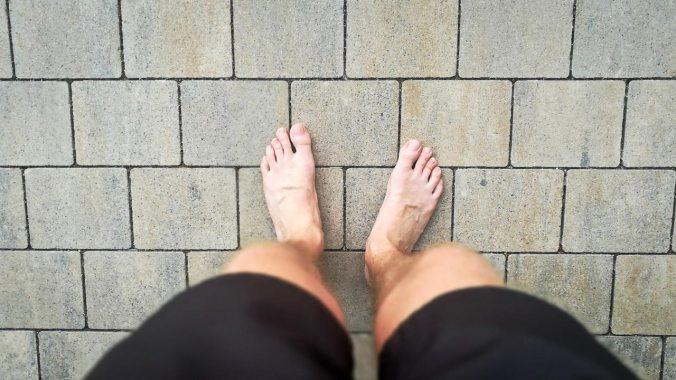 Füße ausdampfen nach einem heißen Lauf...