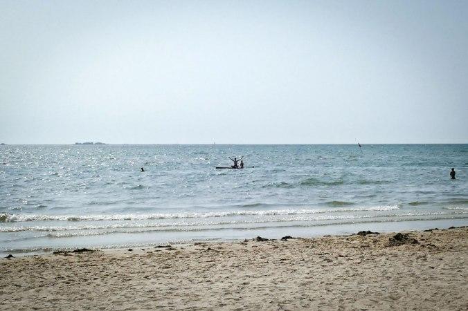 Das Zappelinchen und ich ganz mutig draußen im Meer