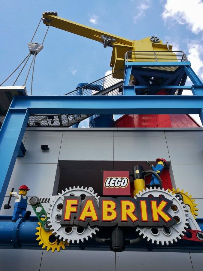 Die Lego-Fabrik zeigt die Historie des Unternehmens...