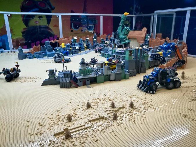 """Die aufgebauten Sets von """"The LEGO Movie 2"""""""
