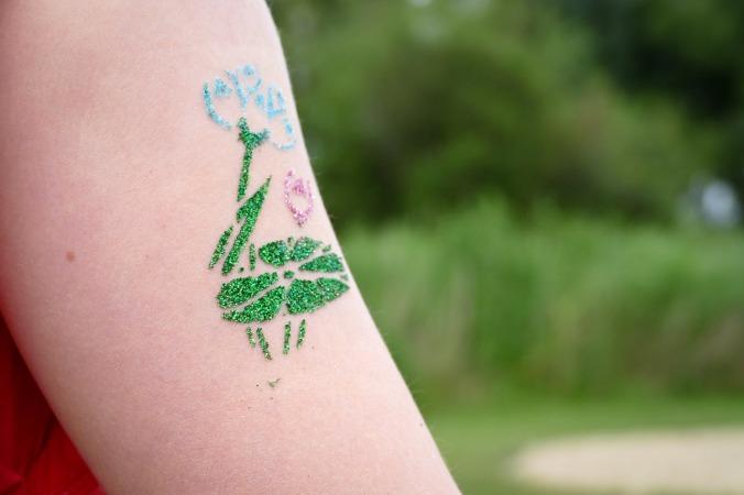 Das Gestalten von Glitzer-Tattoos war ein großes Highlight