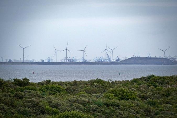 ...und Richtung Rotterdam Hafen, den wir am zweiten Tag besuchen sollten