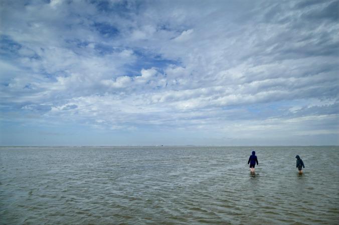 Vermutlich mein Lieblingsbild des Urlaubs: Meine beiden Kinder und das weite Meer