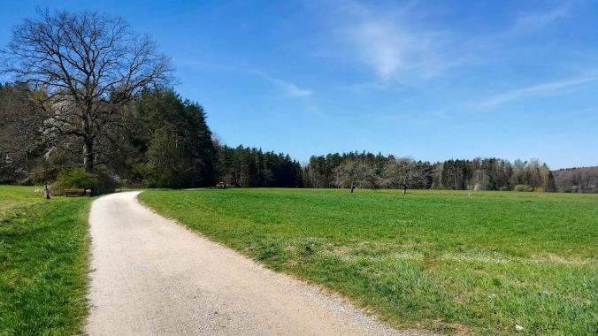 Bestes Osterwetter und nur vereinzelte Läufer, Radler oder Spaziergänger unterwegs