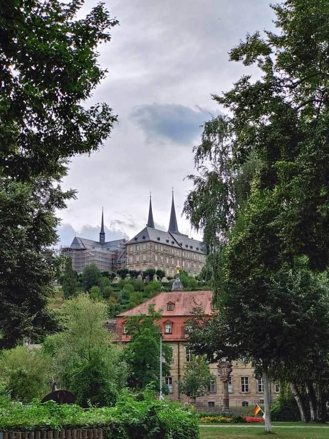 Ein Blick auf das Kloster Michaelsberg