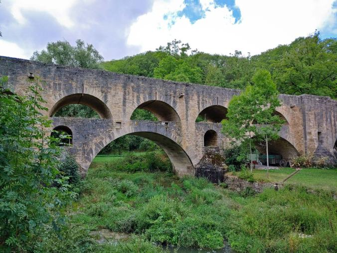 Die imposante Doppelbrücke (Tauberbrücke)