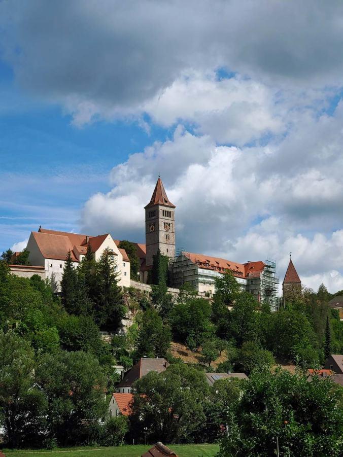 Ein erster Blick auf die Klosterburg Kastl
