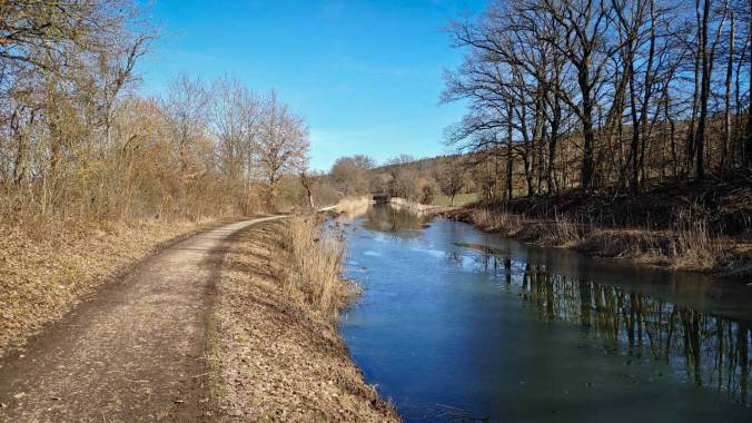 Knackig frisch, aber herrlicher Sonnenschein am Alten Kanal