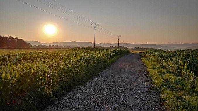 Sonnenaufgang beim Morgenlauf