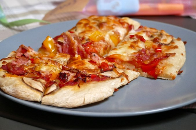 Leckere Pizza zum Abendessen